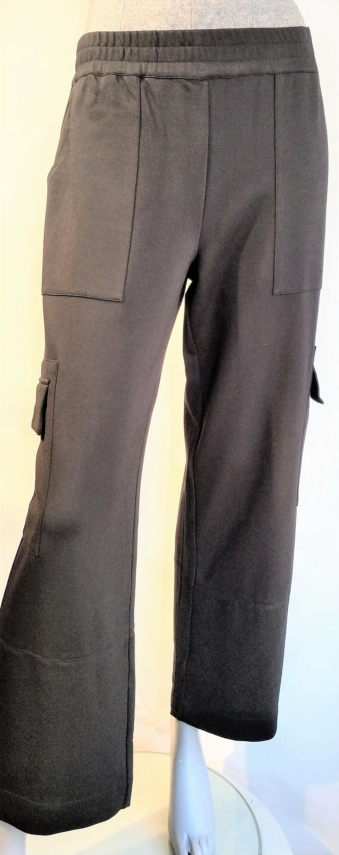 Trousers 5Preview black pockets